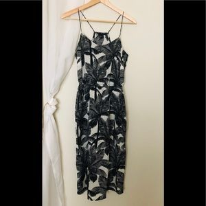 H&M black and white tropical pattern size 6 dress